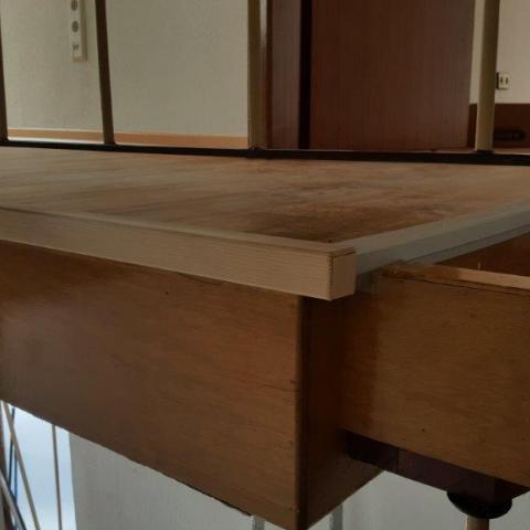 Randabschlüsse Boden mit Krokunterlage und Vinyloberseite