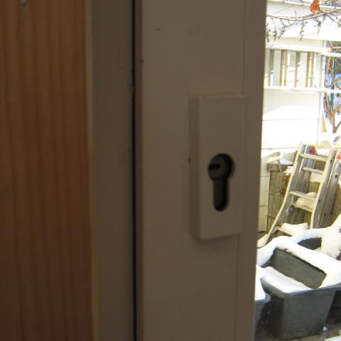 """Nachträglicher Einbau eines Profilzylinders """"normale"""" Fenstertür, zum Benutzen von aussen"""