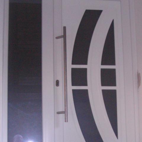 Haustür mit sehr vielen Standard-Füllungen möglich